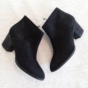 Blondo | NWT Black Waterproof Booties
